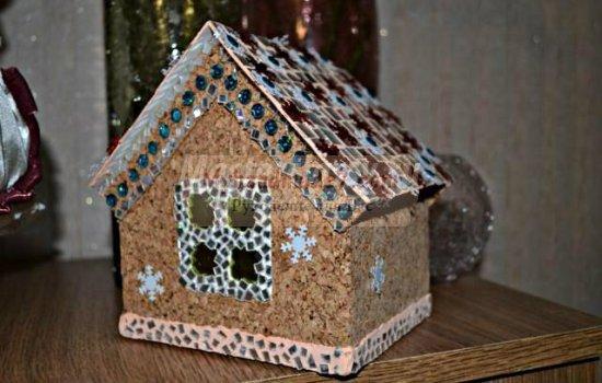 Новогодние домики своими руками: популярные мастер-классы с фото