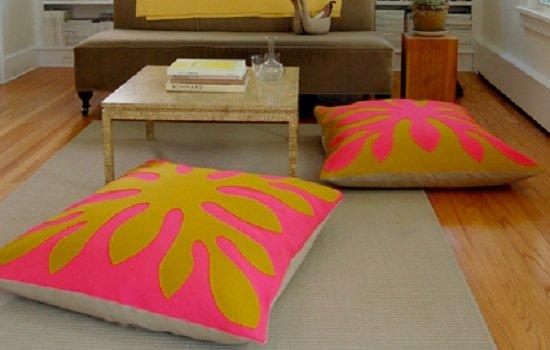 Украшение интерьера своими руками. Подушки в гавайском стиле