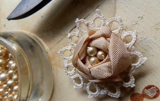 Как сделать розу из лент для украшения своими руками: пошаговый мк с фото