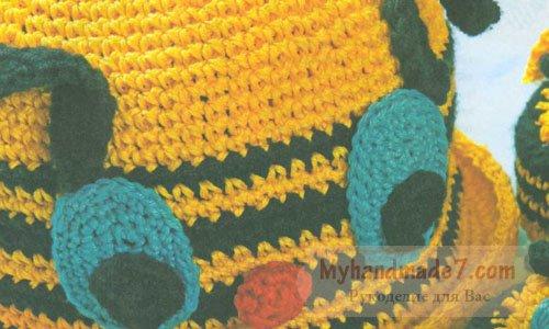 детская шапочка и башмачки пчёлка