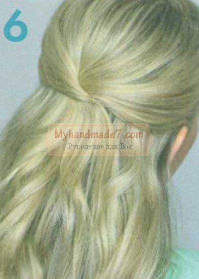 подбор верхней половины волос и закрепление ее невидимкой