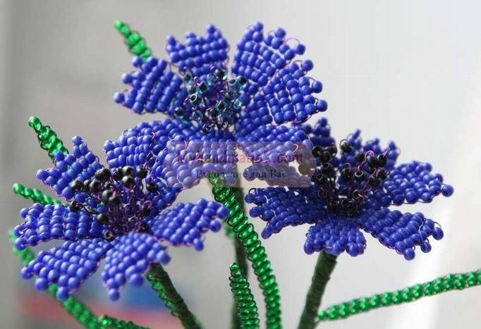 Васильки из бисера - красиво и просто