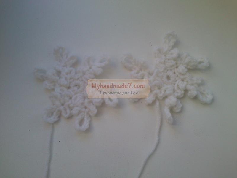 вязаные пинетки со снежинками